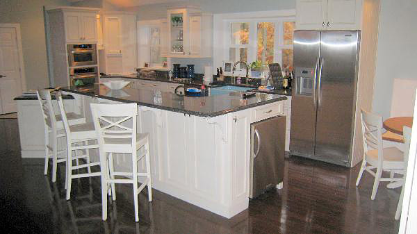 Kitchen remodeling custom kitchens annapolis baltimore md for Baltimore kitchen remodeling